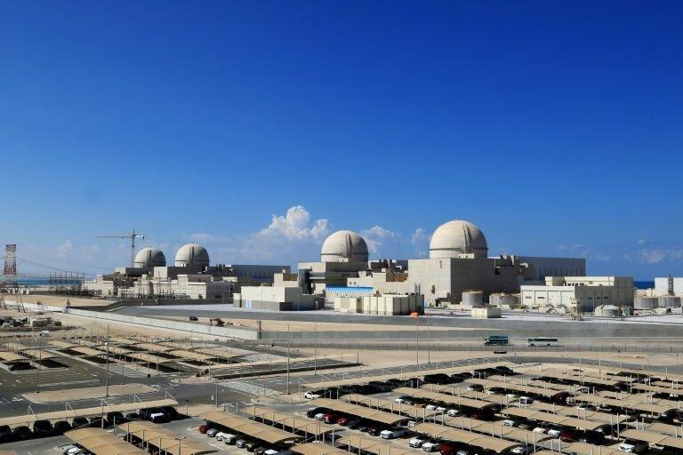 امارات نیروگاه هسته ای اش را به شبکه برق متصل می کند